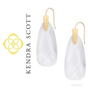 Authentic Kendra Maize Drop earrings